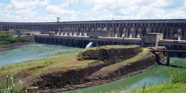 Usina Hidrelétrica de Itaipu - Foz do Iguaçu -PR