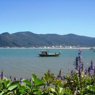 Viaje de ônibus para Florianópolis e desfrute belas paisagens